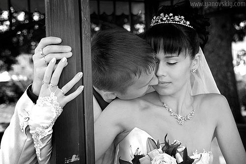 Wedding kiss, Black & White photograph