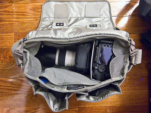 Camera shoulder bag with top open