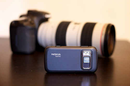 Nokia exec says cameraphones in future will make DSLR's obsolete