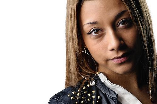 Female portrait using borad lighting