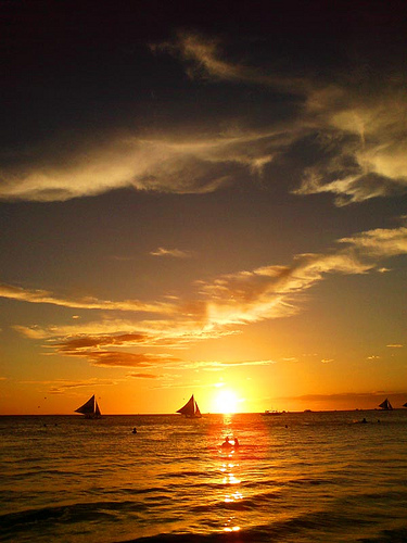 Apr13: Sunset Sailing