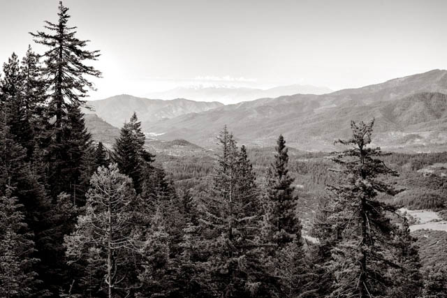 Siskiyou Mountains Landscape - telephoto landscape