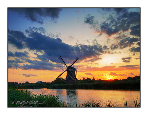 HDR Sunset @ Windmill 'Prinsenmolen', Rotterdam - example where you want to use continuous shooting drive mode