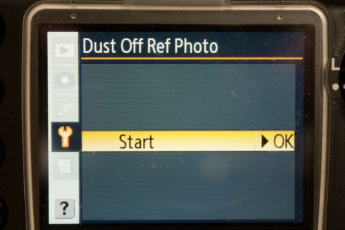 Dust Off Ref Photo screen on a Nikon camera