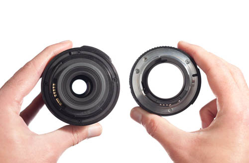 A zoom lens set to 50mm at its widest aperture (f/5.6) on the left, compared to a 50mm prime lens at its widest aperture (f/1.4) on the right.