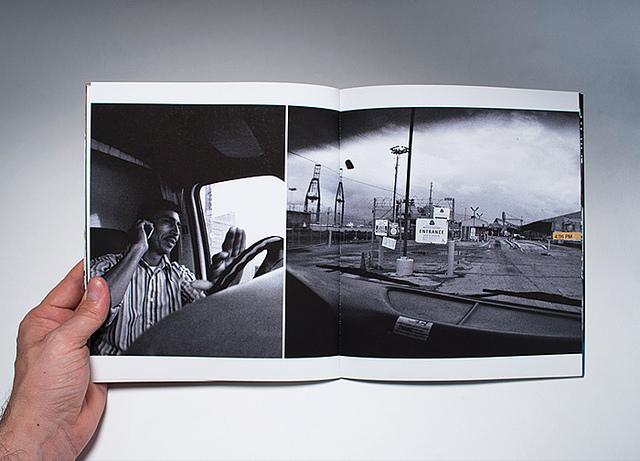 El Santo De Carton 3 - documentary portfolio book image