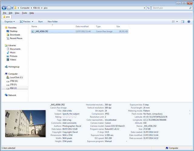 Windows Explorer with file info pane expanded to show more EXIF data