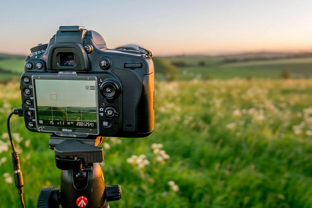 Taking a landscape photo with a tripod mounted DSLR using liveview