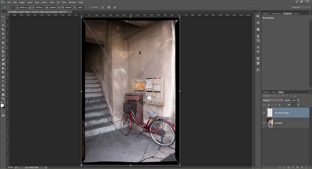 3:2 aspect ratio portrait image with rotated 3:2 aspect ratio landscape frame