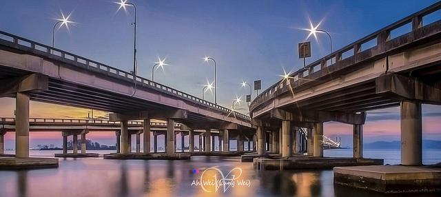 Photo of Penang Bridge, Malaysia, taken using a kit lens.