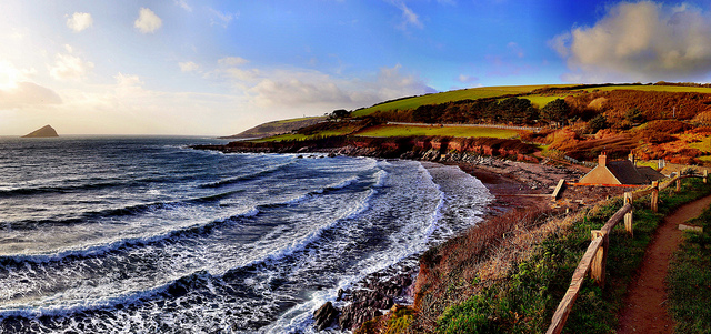Wide-angle panorama of Wembury Bay, constructed from 6 portrait oriented photos taken with the camera's kit lens.