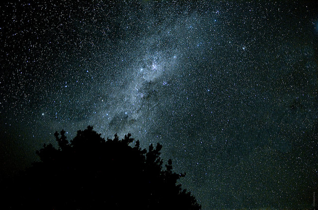 Milkyway photo taken at a high ISO of 6400 with a crop sensor camera. Although there is some noise, it is not very prominent.